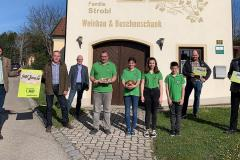 K800_12-12-19-21-Schulz-bei-Weinbau-Strobl-Eibesthal