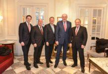 EU-Agrarkommissar Phil Hogan (2. v. r.) traf die heimische Agrarspitze zum Gespräch über aktuelle EU-agrarpolitische Anliegen (v. l.): Weinbau-Präsident Johannes Schmuckenschlager