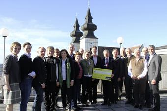 Mit dem Raiffeisen-Sponsoring werden insgesamt 22 Projekte der Fachschulen mit einer Gesamtsumme von 20.000 Euro unterstützt.