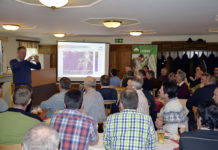 An sechs Tagen informierten sich rund 200 Kunden des Raiffeisen-Lagerhauses Amstetten zu aktuellen Fragestellungen im Ackerbau.