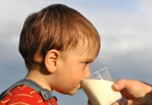Milch schmeckt gut und ist gesund.