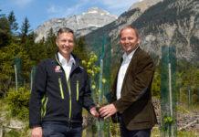LHStv. Josef Geisler (re.) und Landesforstdirektor Josef Fuchs sehen im Wald den besten und günstigsten Schutz vor Naturgefahren.