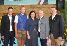 """Elisabeth Köstinger, Juliane Bogner-Strauß und Simone Schmiedtbauer zu Gast bei der """"Steirischen Bauernjausn"""" des Bauernbundes."""