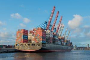 Die Granitsteine werden in den Schiffen zum Gewichtsausgleich benötigt.